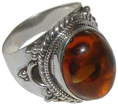 AMBER CABOCHON RING WITH PATTERN ON SIDES